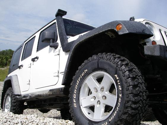 305/65R17 or 285/70R17 - JeepForum.com